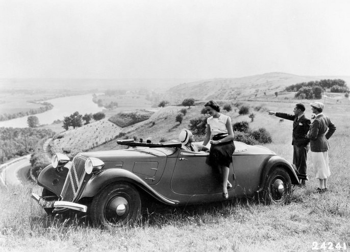 traction_avant_11_cabriolet_2